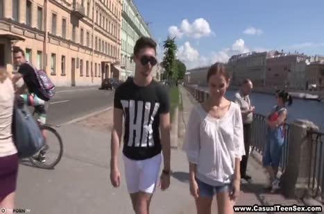 Под видом кастинга паренек затянул русскую девушку на трах